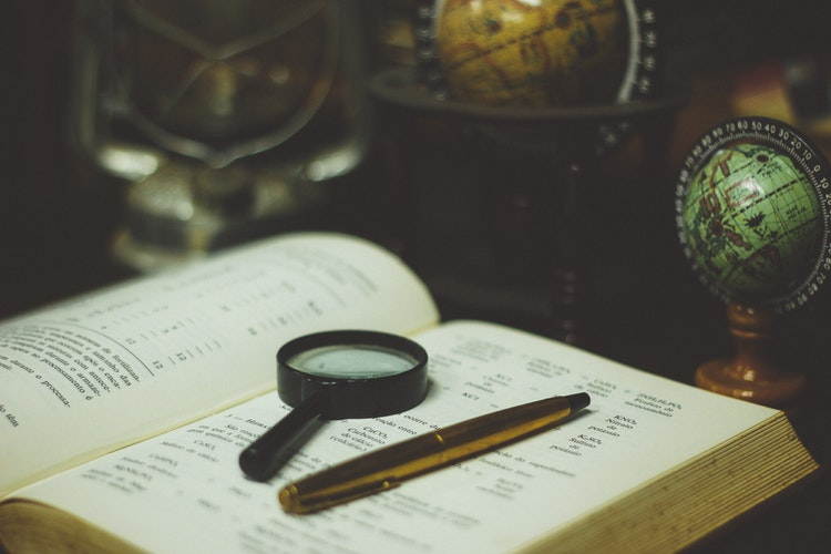 DOT2010BookMagnifyingGlassPen - Neue Art der Messung Ihres 'Freundschaftsniveaus' entdeckt