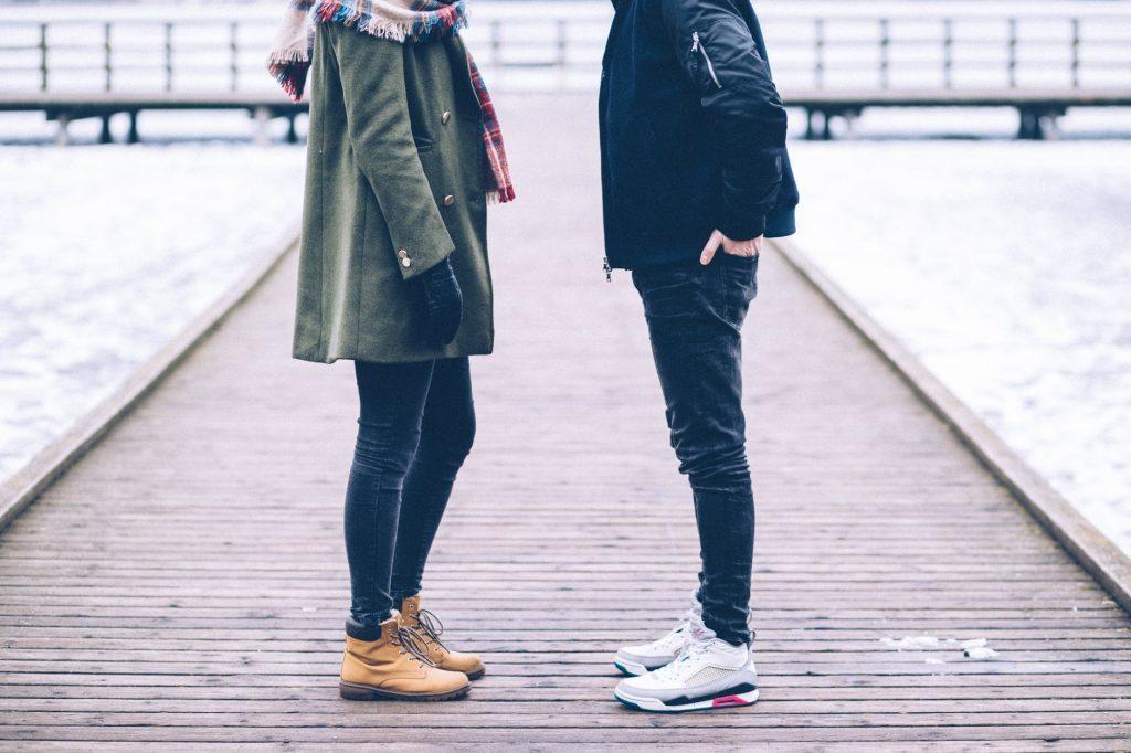 DOT2010GirlAndBoyStanding 1024x682 - Neue Art der Messung Ihres 'Freundschaftsniveaus' entdeckt