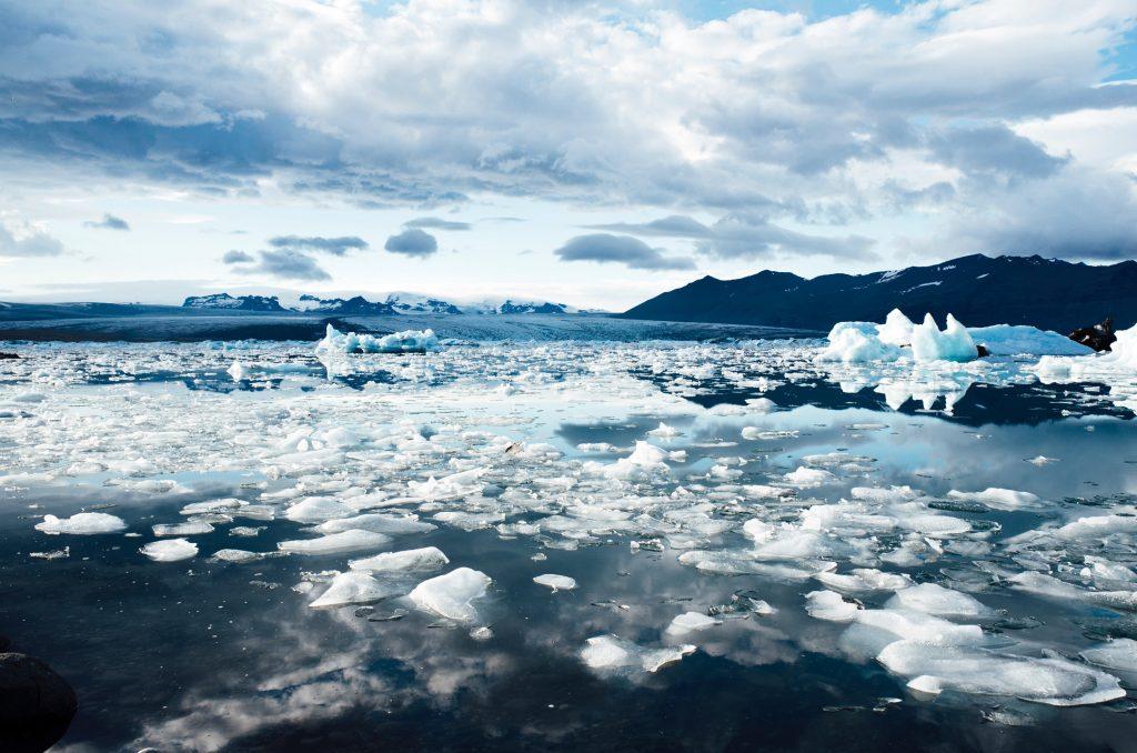EisbergSchmelzen 1024x678 - Die Eisberge Grönlands schmelzen schneller denn je